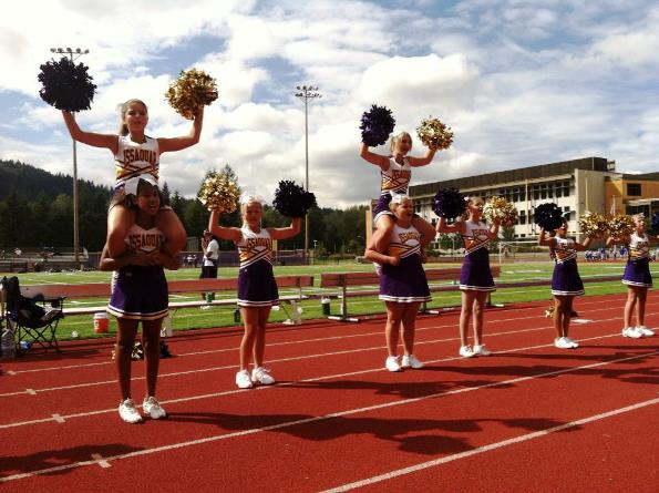 An Issaquah Cheer Squad at Work